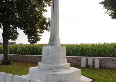 The grave of 744/3194 Private Edmund Stewart at Dernancourt Communal Cemetery Extension.