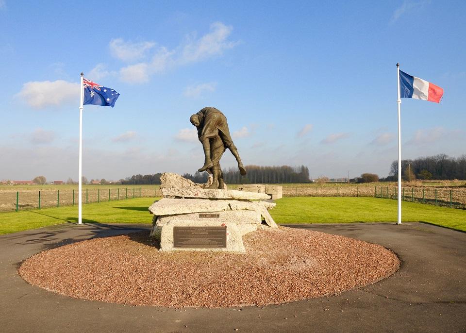 "The ""Cobbers"" statue at the Australian Memorial Park, Fromelles - WWI Memorials - Fleurbaix"